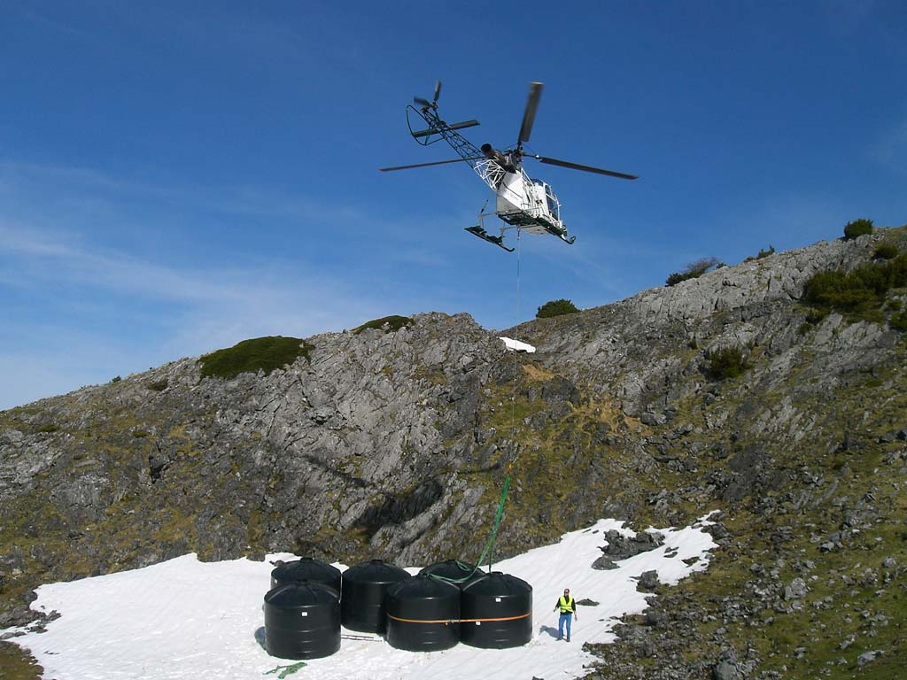 http://www.asson.fr/actualites/2009/0905/0905-Heliportage-1.jpg